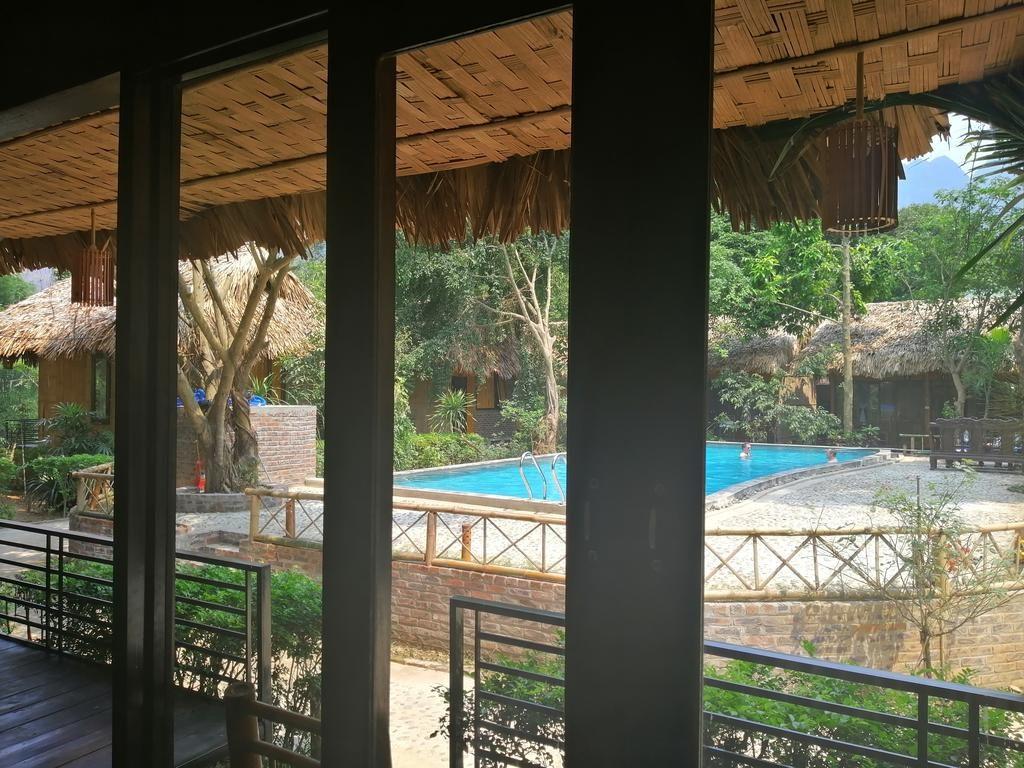 view từ phòng ở mai châu farmstay