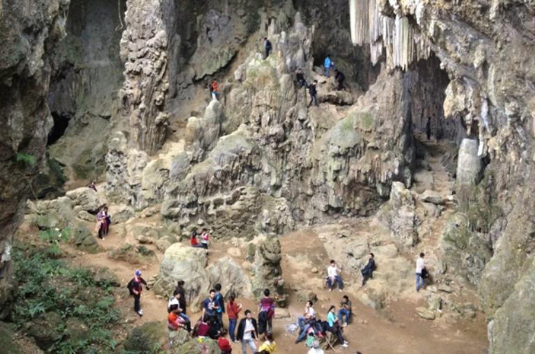 Vẽ Đẹp Huyền Bí của Hang Chiều Huyện Mai Châu