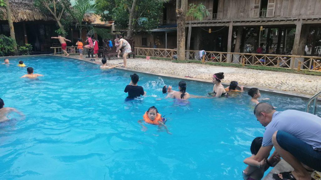 hồ bơi ở mai châu farmstay, 38 bản lác 2
